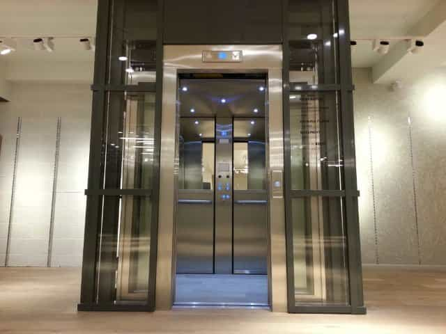 Axess 2 river island passenger lift basement