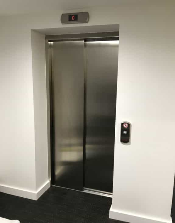 stainless steel Sliding doors 575x730 - Traction 400 (Leonardo)