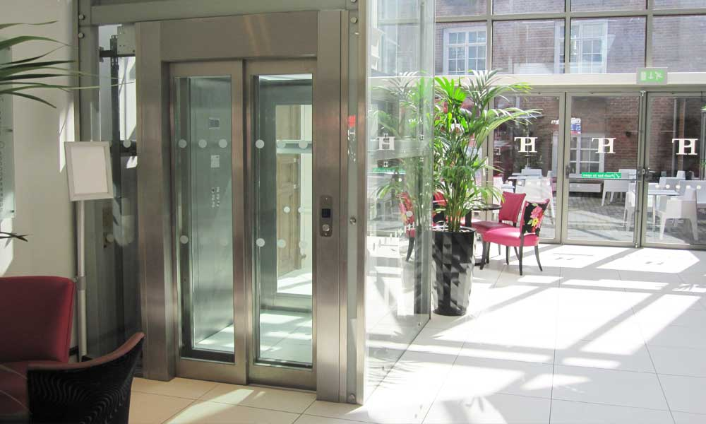 Lift2 - CAN YOUR ESTABLISHMENT BENEFIT FROM A GLASS LIFT?