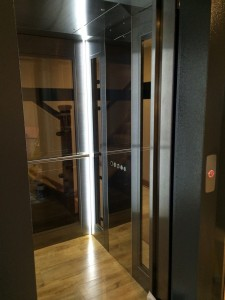 Glass-Lift-with-led-lighting